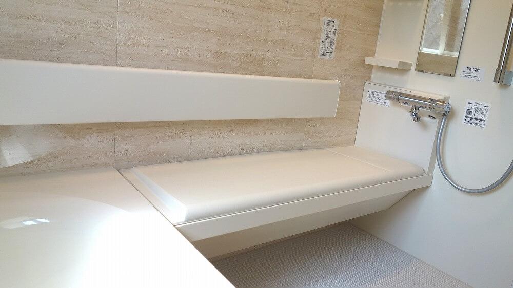 AK様邸浴室ベンチ